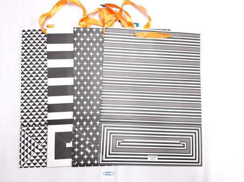 Gift Bag Black 'n White (L) 39,5x30x12
